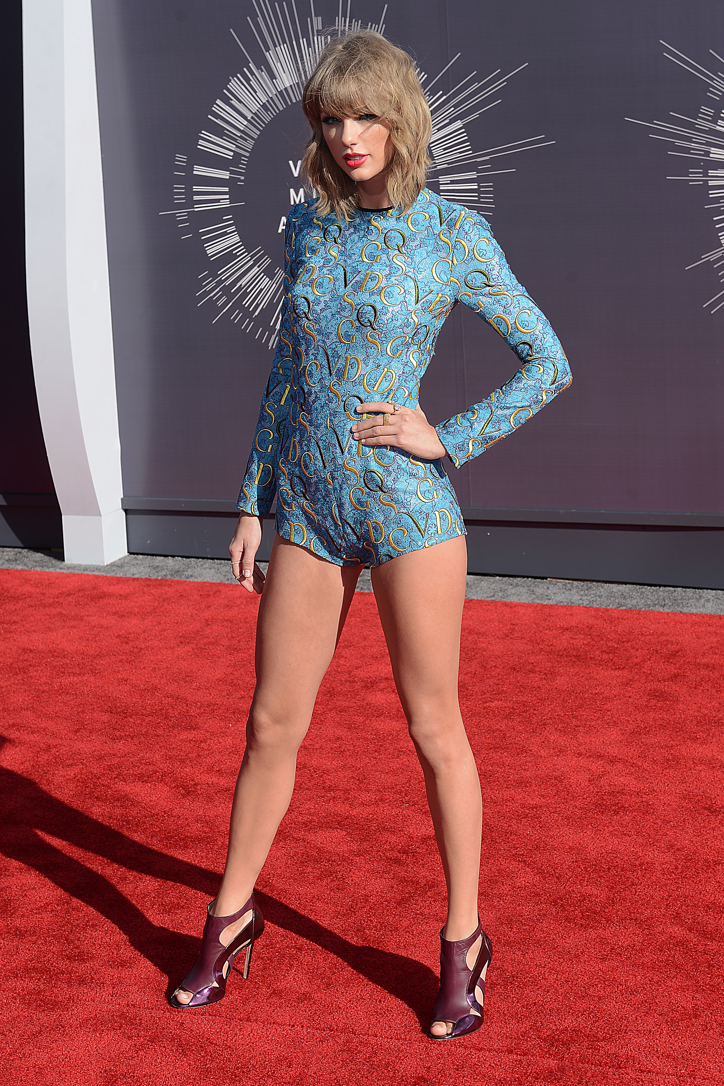 Taylor Swift Looks Like A Mouse